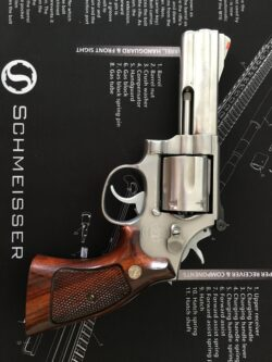 "Smith & Wesson 686 4"" .357 Magnum"